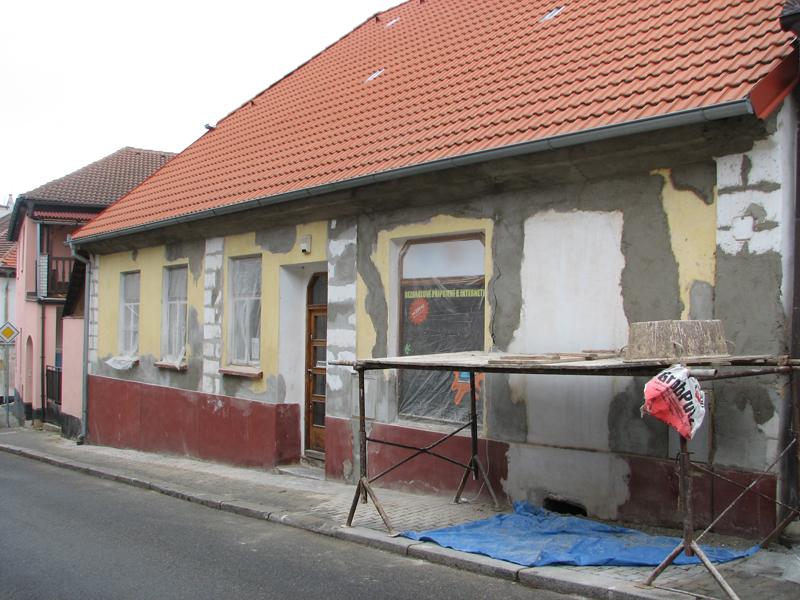 Oprava fasády starého domu